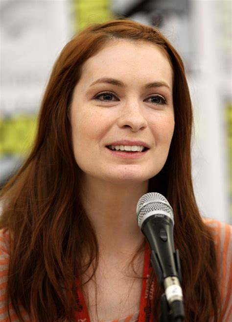 what is felicia day s hair color file felicia day by gage skidmore jpg wikipedia