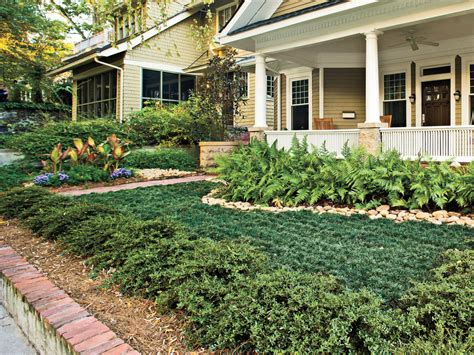 small yard living and landscaping landscaping ideas front yard backyard southern living