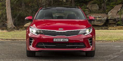 Compare Kia Optima To Hyundai Sonata Kia Optima Gt V Hyundai Sonata Premium Comparison Review