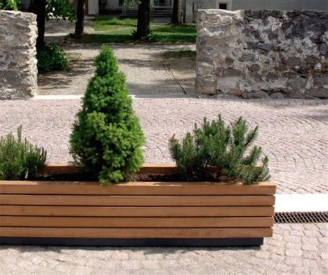 Délicieux Fabricant Mobilier De Jardin #1: guyon_mobilier_urbain_bac_fleurs_bois_linea_fiore_175_visuel2-500x420.jpg