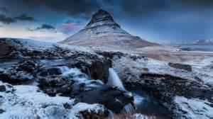 Islande Kirkjufell hiver montagne de neige