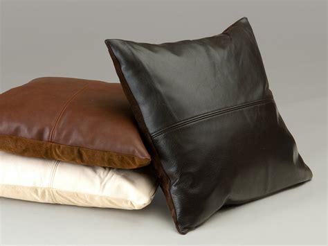 pelle per divani cuscini in pelle per divani calia maddalena