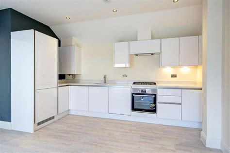 bathroom colliers wood high street colliers wood wimbledon london sw19 1 bed