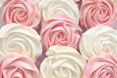 como se hace merengue para decorar huevos de pascua receta suspiros en forma de rosas merengue suizo