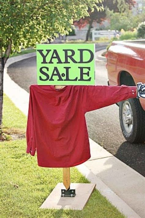 yard sale sign for the home