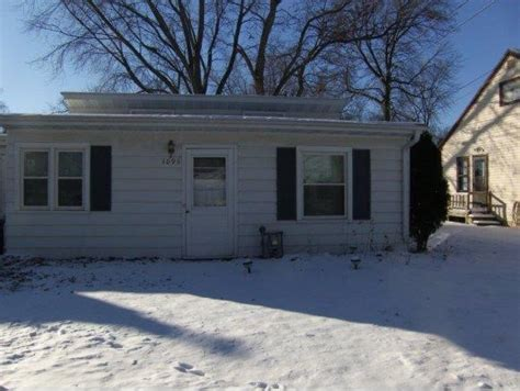 1093 paul st green bay wi 54304 foreclosed home