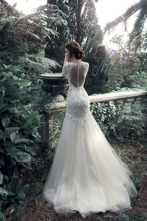 Wedding Song You Look So Beautiful by Beautiful Wedding Gowns Would Look Glamorous On All Sorts
