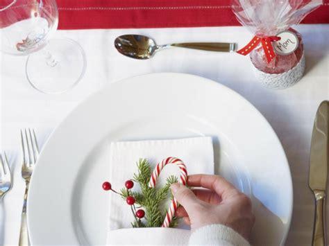 weihnachten dekorieren ideen für office weihnachtliche tischdeko im skandinavischen stil