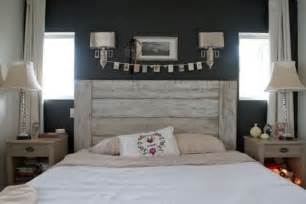 Wood Plank Headboard 27 Calm And Relaxed Whitewashed Headboards Digsdigs