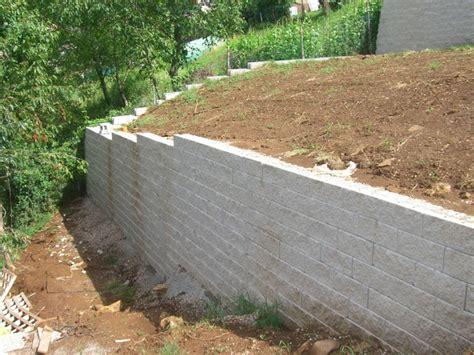 Costruire Muro Blocchi Cemento by Muro In Terra Rinforzata Con Facciata In Blocchi Di Cls