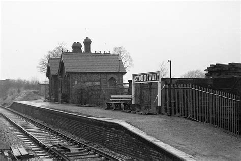 aston rowant railway station wikipedia
