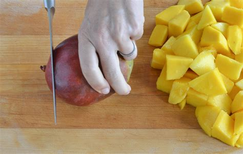best way to cut a mango how to cut a mango the safe and easy way