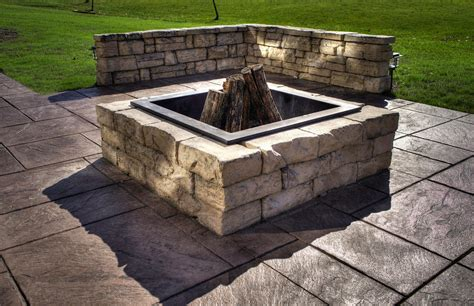 How To Build A Flagstone Fire Pit Out Of A Kit Fire Pit Firepit Kits