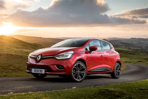 new renault clio new renault clio signature nav comes loaded with tech