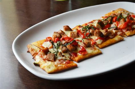 Olive Garden Chicken Flatbread by New Menu Items At Olive Garden Two Of A Working On