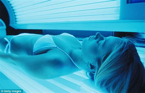 sunburn from tanning bed uv exposure is dangerous dermatologists slam tanning