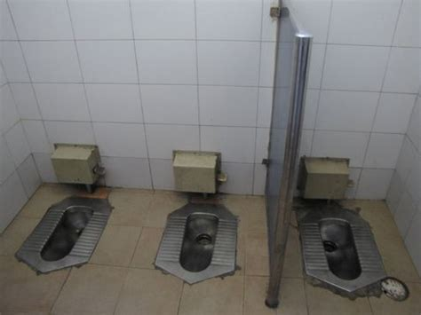 using public bathrooms be thankful for everything including the fact that you