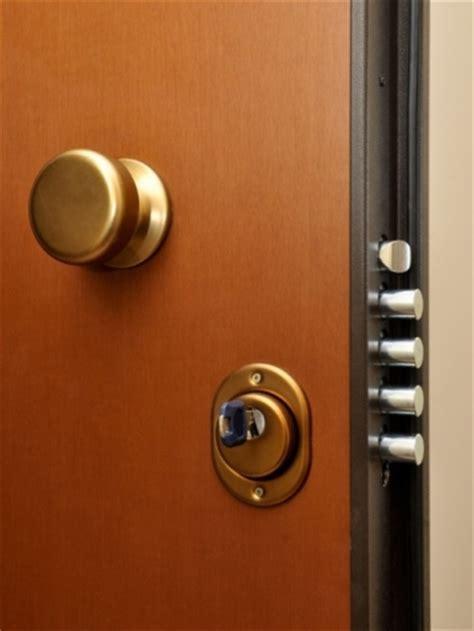 aprire serratura porta interna come aprire serrature europee e porte blindate fabbro