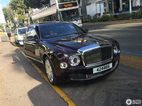 bentley limo black bentley mulsanne grand limousine 10 august 2016 autogespot