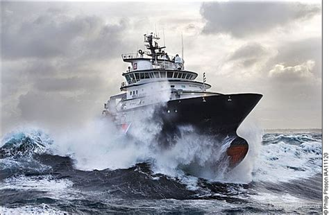 definition ship or boat high sea salvage tug brittany salvage tugs pinterest