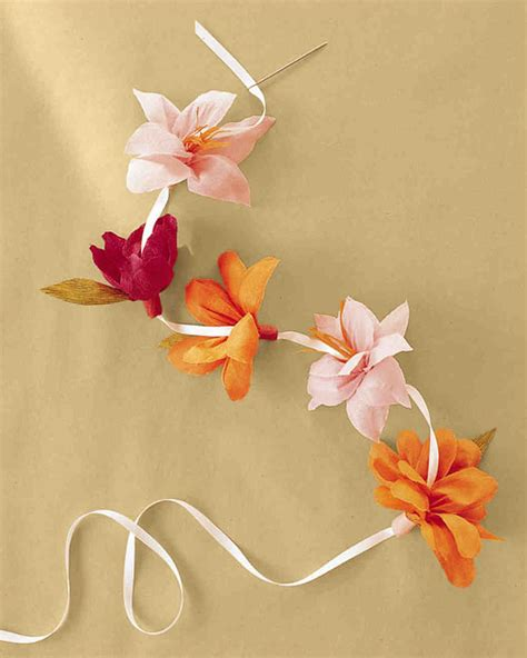 How To Make Flowers Using Crepe Paper - how to make crepe paper flowers martha stewart weddings