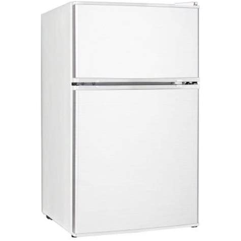 keystone 3 1 cu ft mini refrigerator in white kstrc312bw