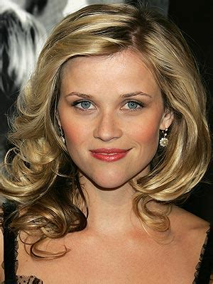 how to get reese witherspoon hair color reese witherspoon is lovely roxy is here