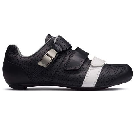 rapha bike shoes gt shoes black cycling shoes rapha bike bits