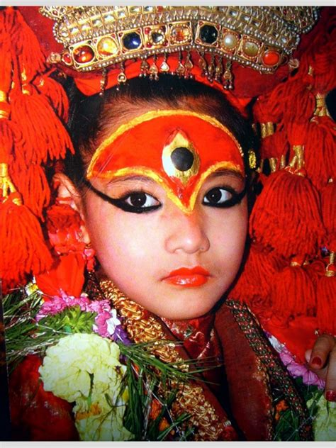 Masker Tempel Garnier tips kumari the living goddess of nepal