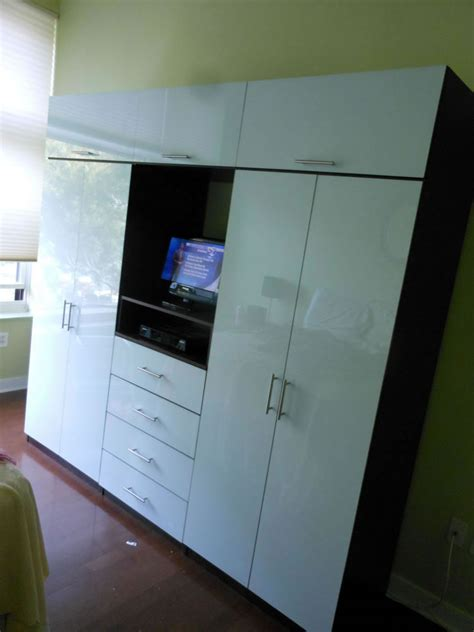 Wall Wardrobe Units by Icicle Wardrobe Tv Wall Unit For Bedroom