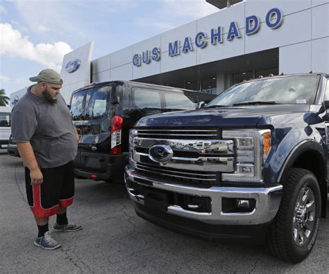 analysts auto sales to stabilize in september finish 2014 strong trucks suvs drive up u s auto sales portland press herald