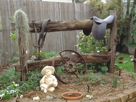 Western Backyard Ideas This Western Themed Flower Bed Decor Pinterest The Western Flowers And Hitching Post