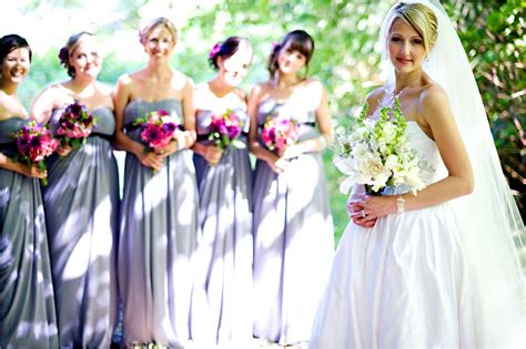 Outdoor Wedding Dresses For Flower by 2011 Outdoor Wedding Casual Chic Colorful Wedding Flowers