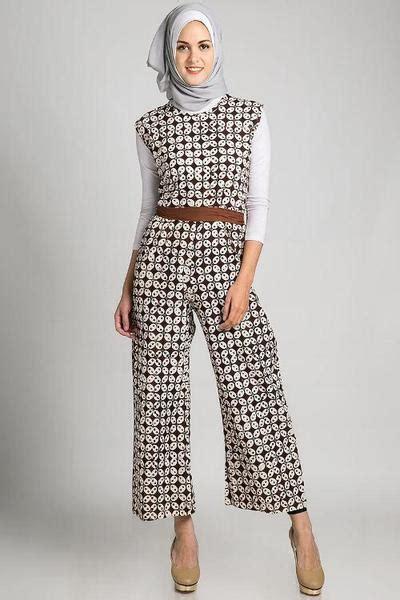Jumpsuit Baju Terusan 20 trend fashion model busana muslim bermotif batik