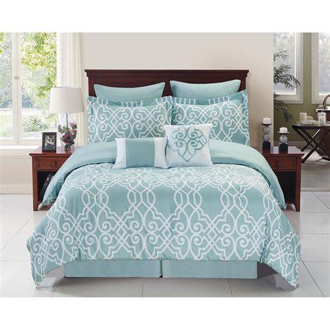 Bedding Set by Dawson Blue White 6 8 Reversible Comforter Set Ebay