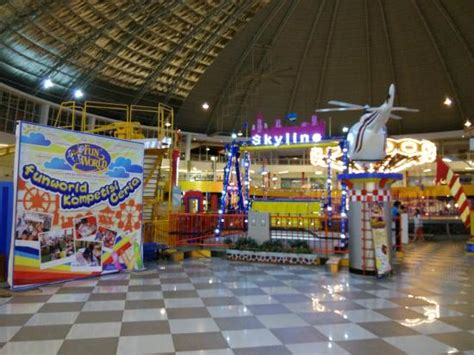 Theme Hotel Batam | great indoor amusement park for children funworld