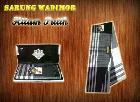 Inbow Dus Hitam Ukuran 3 4 sarung wadimor motif hitam putih 4 pusat grosir dan