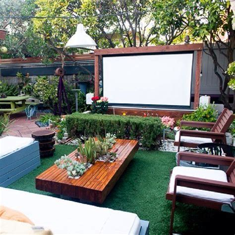 backyard movie projectors fascinating outdoor cinema ideas for a better enjoyment