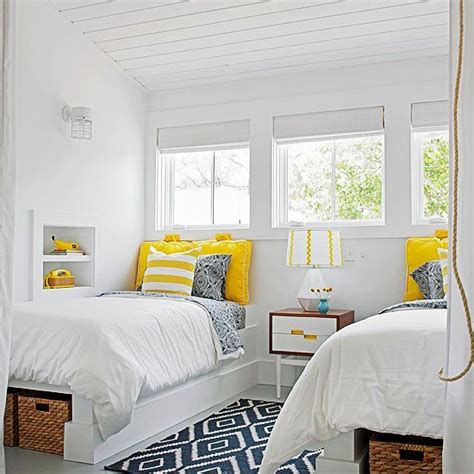 remodelaholic  awesome built  beds  bed nooks