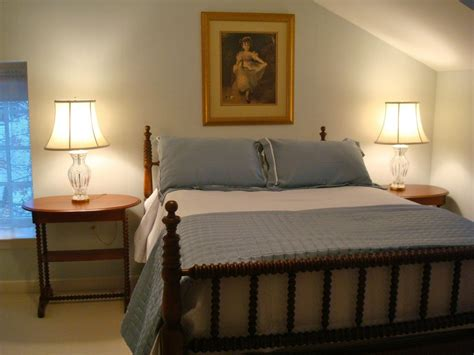Fashioned Bedroom by Fashioned Wall On Center Wall Of Traditional