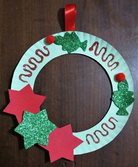 How To Make Holiday Crafts - making a paper plate christmas tree wreath thriftyfun