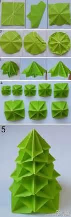 Paper Folded Tree - kerstboom vouwen origami kerst origami