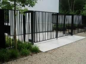 Modern Fence Best 20 Modern Fence Ideas On Pinterest Modern Fence