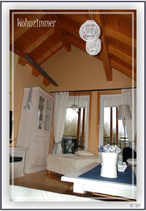 vorhänge pastell graue wandfarbe wohnzimmer