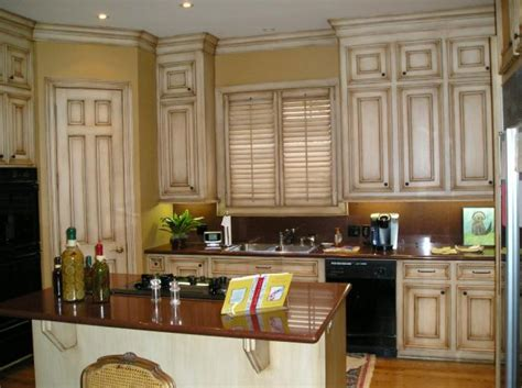 Antique White Glazed Kitchen Cabinets Glazed Kitchen Cabinets These Antique White Kitchen Cabinet