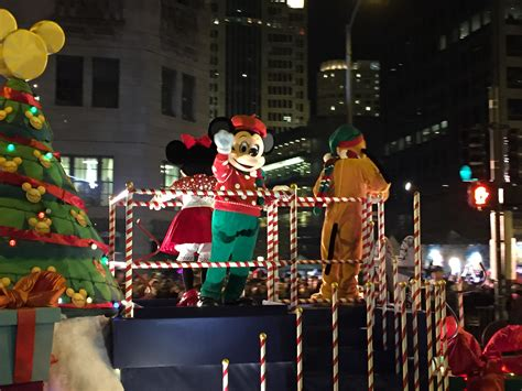 chicago festival of lights chicago s magnificent mile lights festival that windy