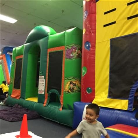 frogg s bounce house frogg s bounce house 151 photos party event planning 16121 brookhurst st