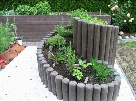 Kr Uterspirale Selbst Bauen 2942 by Hochbeet Aus Palisaden Im Und Um Haus Und Garten Hochbeet