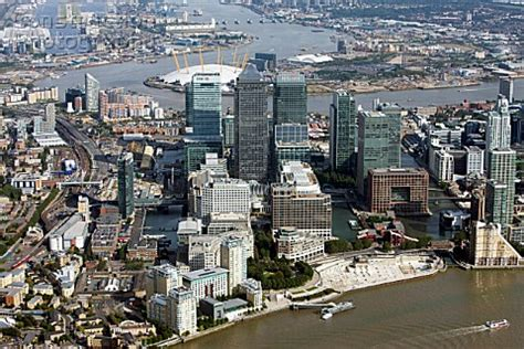 How To Hang Prints a083 00111 london docklands england uk aerial view