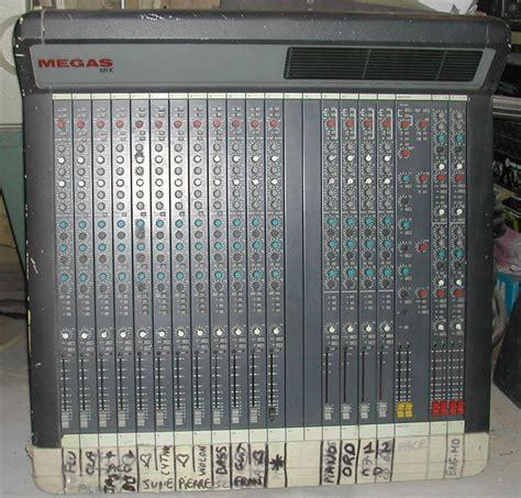 mix console photo soundtracs megas mix soundtracs megas mix 34020